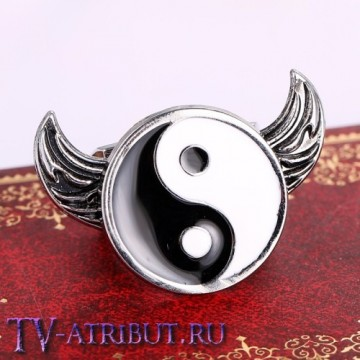 Кольцо с символом Инь-Ян и крыльями