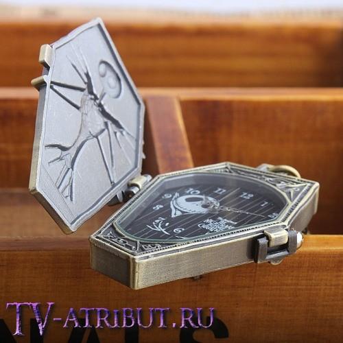 Часы-кулон на цепочке с Джеком