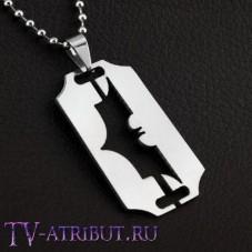 Кулон в виде бритвы со знаком Бэтмена, сталь