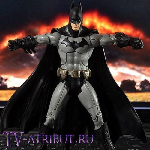 Фигурка-игрушка Бэтмена (18 см, цвета - черный, серый)