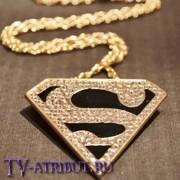 Кулон с символом Супермена
