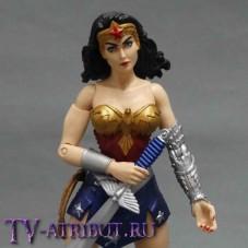 Фигурка-игрушка в виде Чудо-Женщины (18 см)